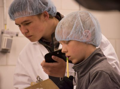4-H'er studies retail meat cuts